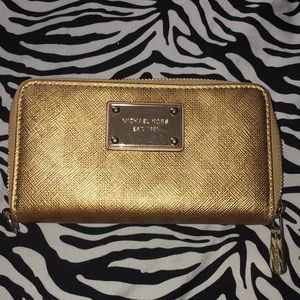 Michael Kors Phone Case/ Wallet